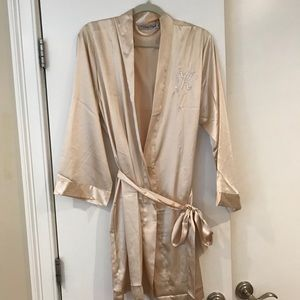 Other - Brand new Champagne satin bridesmaid robes